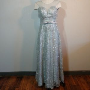 What a Sparkle Homecoming or Prom Dress!